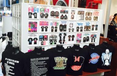 Ontario Mills T shirt cart