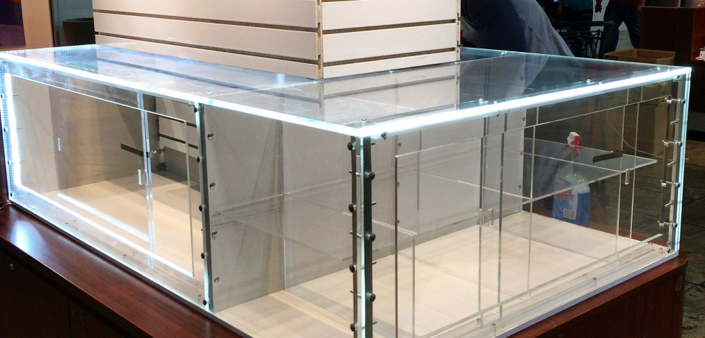 acrylic polished jewelry display
