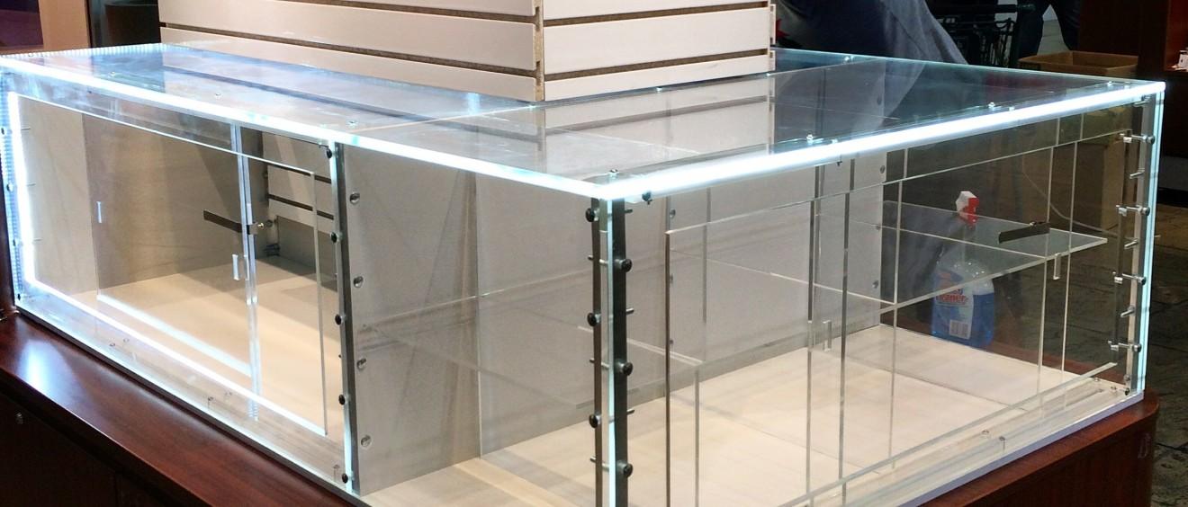 acrylic polished jewelry display